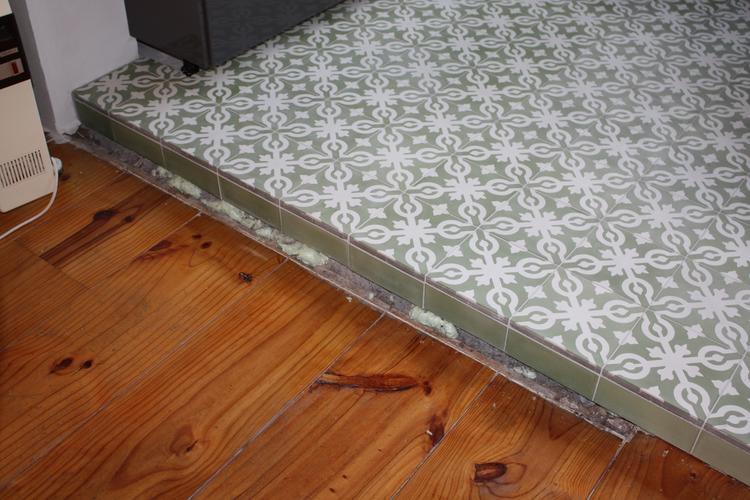 Magnifiek Afwerken overgang houten vloer naar tegelvloer + nog wat andere &NN03