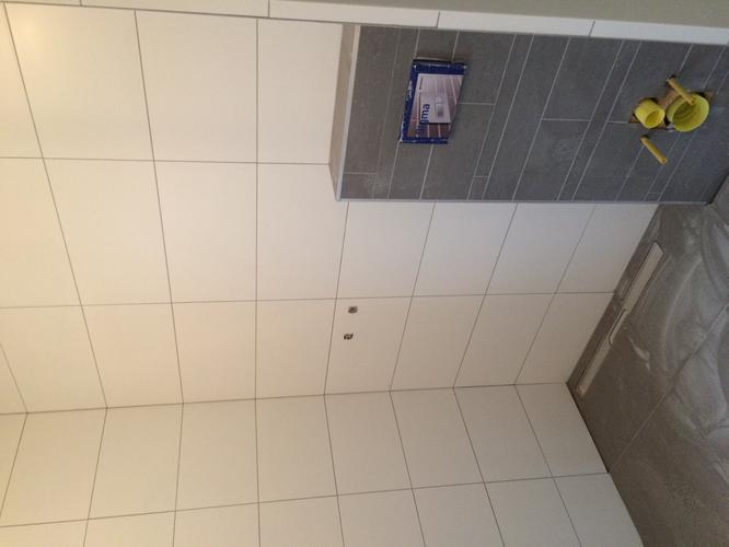 Toilet 1 2x0 9x2 6 en badkamer 2 5x2 1x2 6 afkitten werkspot