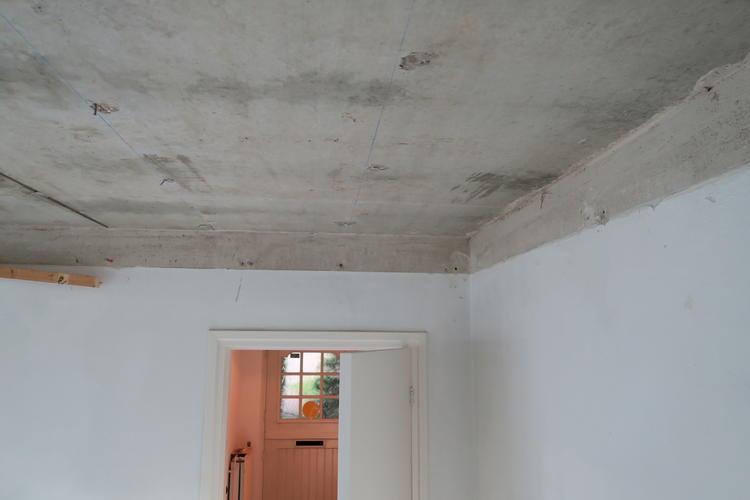 Favoriete betonnen plafond stucen 3,75 x 2,85 meter - Werkspot WU54