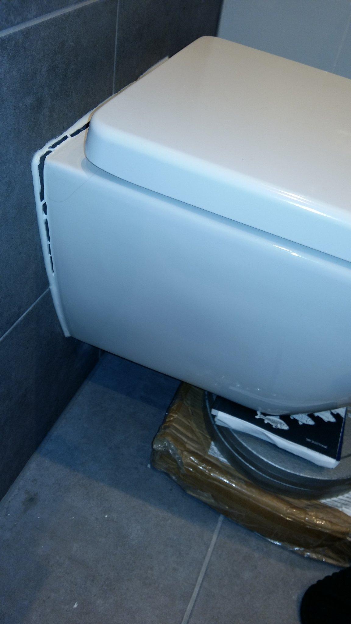 Vaak Hangtoilet opnieuw vastzetten en onderdeel van verwarming KZ05