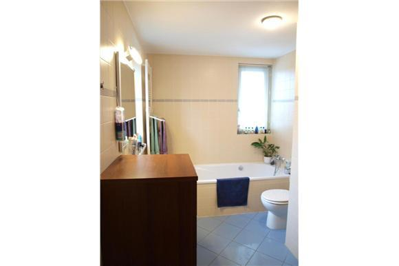 Badkamer verbouwen kosten arbeid incl materiaal excl sanitair te