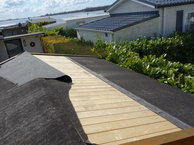 Dakbedekking Schuur Vervangen : Vervangen dakbedekking schuurtje schuin dak m werkspot