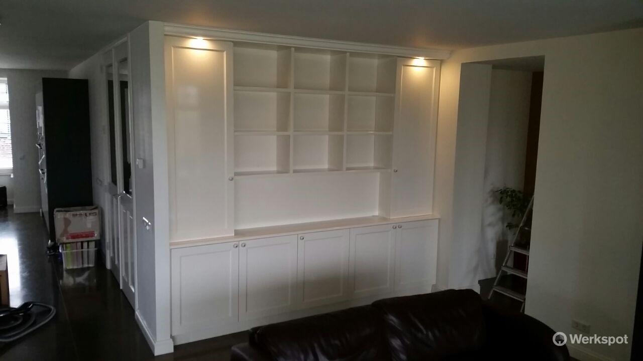 Maken, schilderen en plaatsen van inbouwkast in woonkamer - Werkspot