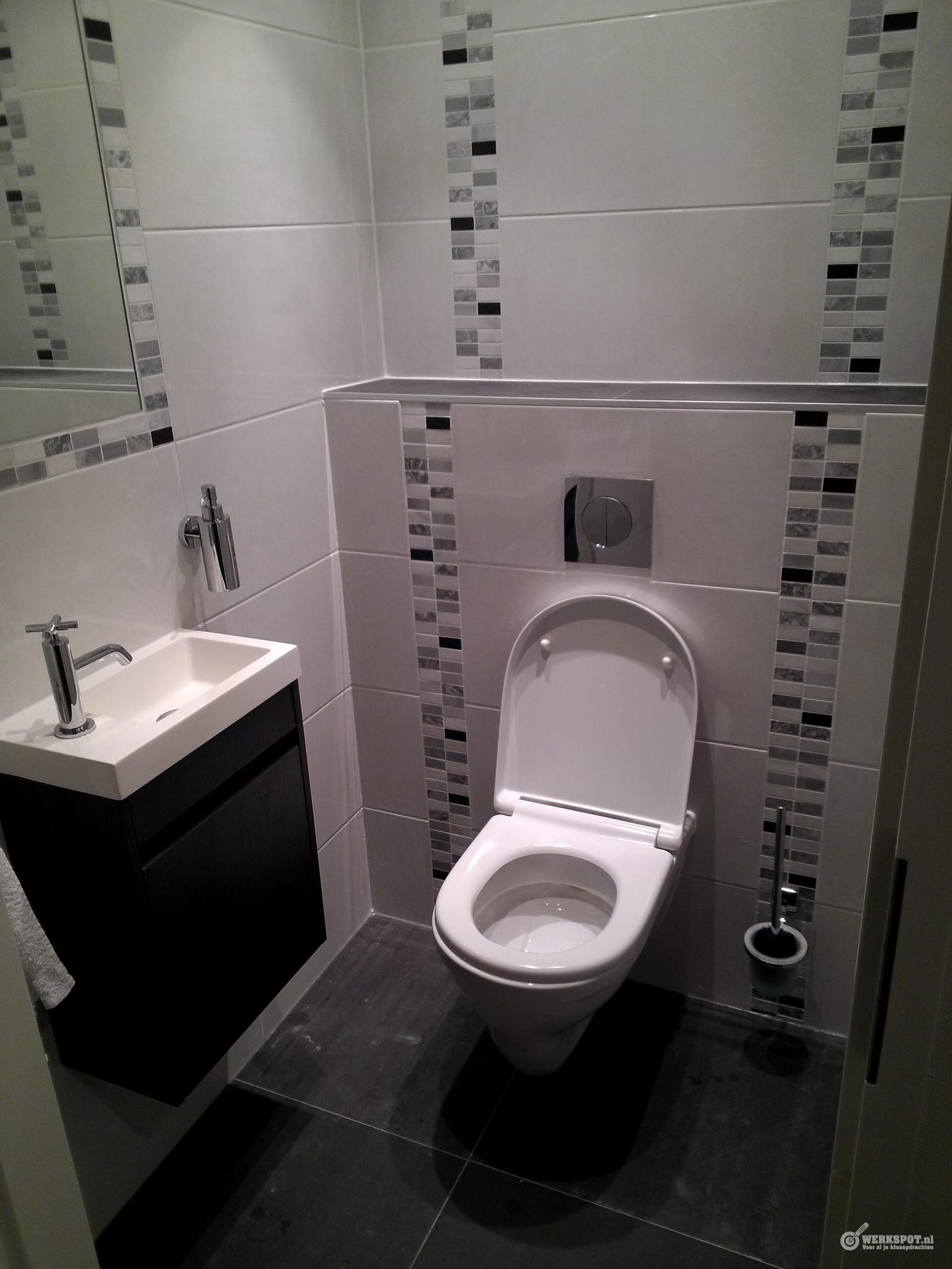 plete badkamer en toilet installeren inclusief tegelwerk