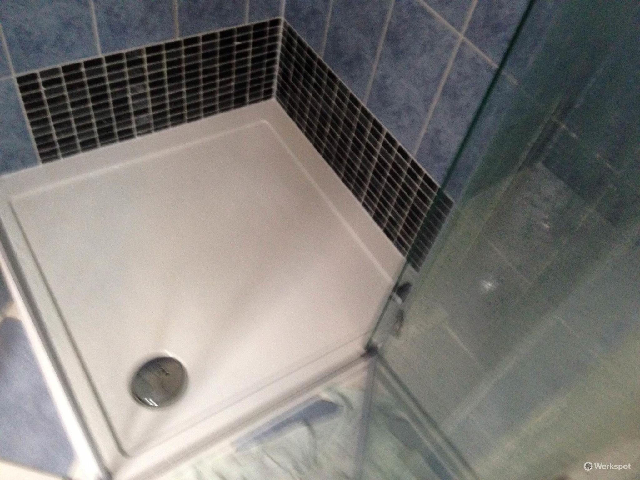 badkamer meubel en douchecabine vervangen werkspot