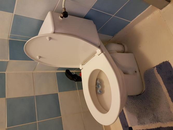Binnenwerk Spoelbak Toilet : Vervangen binnenwerk duoblok stortbak werkspot