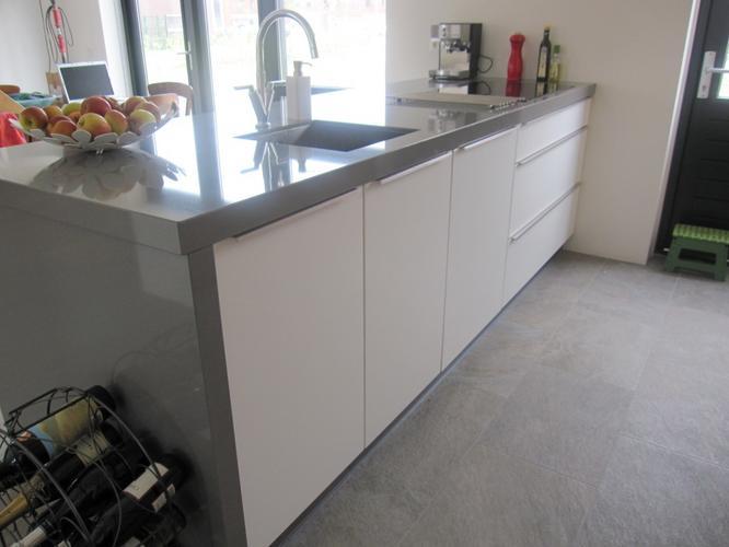 Zwart Keuken Kvik : Kvik keukens. tinta wood stijlvolle en moderne keuken in exclusief