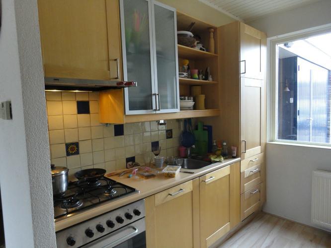 Ikea Keuken Schilderen : Ikea keuken opleuken door schilderen kastjes en lades werkspot
