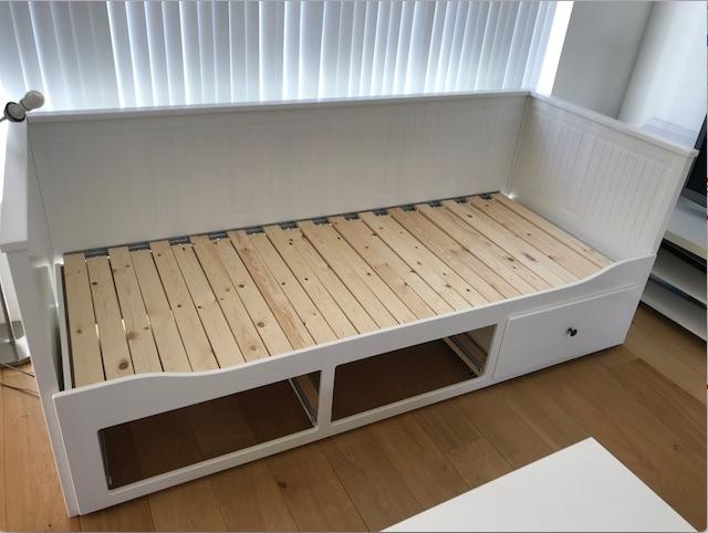 Bedbank 2 Persoons Ikea.Ikea Bed Afbreken Trap Op In Elkaar Zetten Werkspot