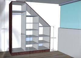Kledingkast maken op zolder tegen een schuine wand werkspot - Planken maken in een kast ...