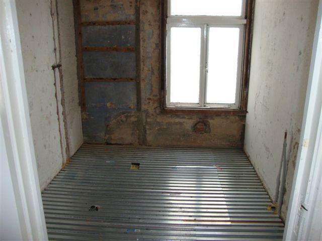 Badkamer Vloer Storten : Betonnen vloer storten badkamer wat is de juiste betonvloer dikte