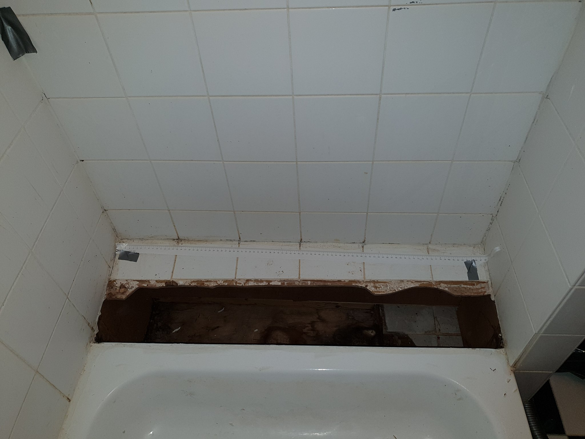 Renovatie Badkamer Tegels : Kleine renovatie badkamertegels m werkspot