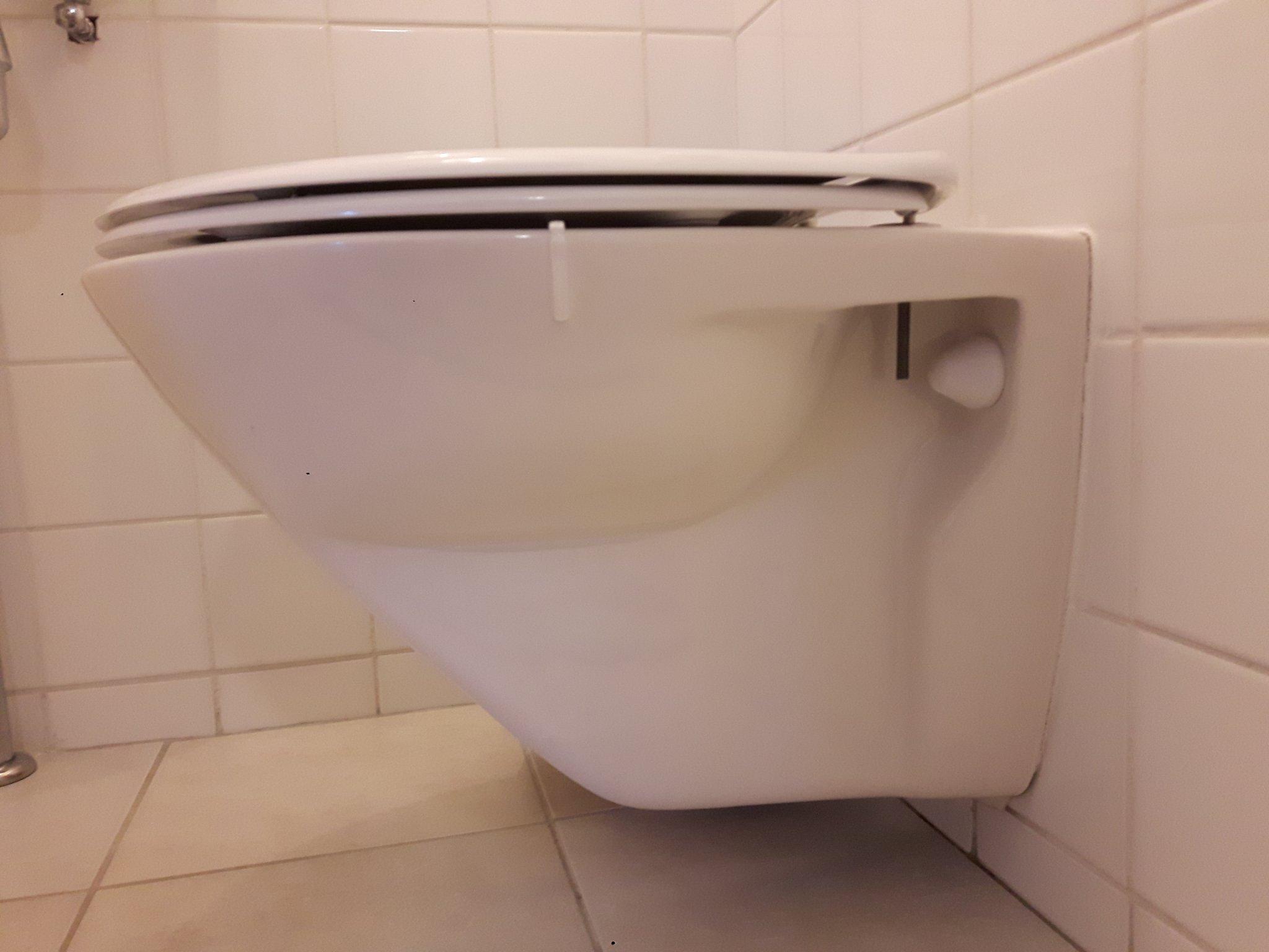 Bekend Hang Toilet lekt onderkant - Werkspot NE91