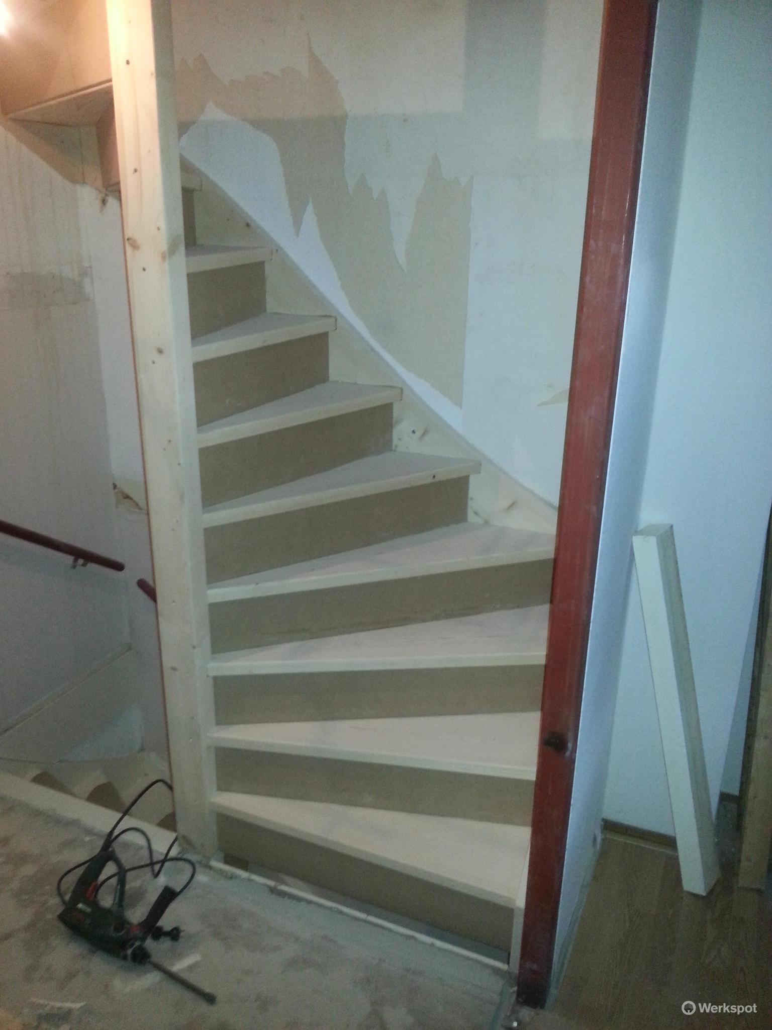 Vaste trap zolder en trapgat maken werkspot for Plaatsen trap