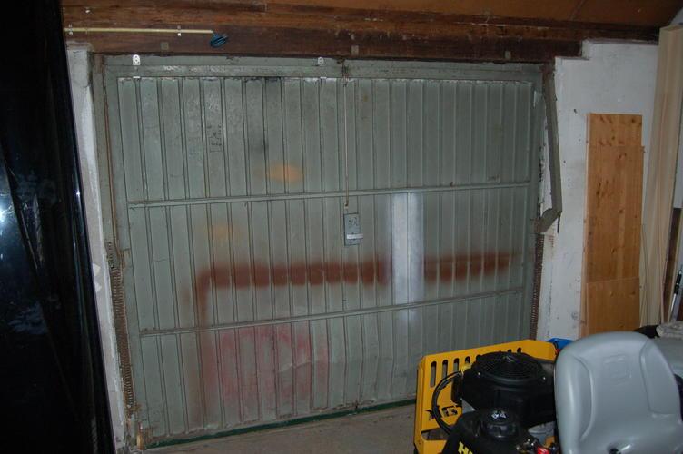 Favoriete Gietijzeren kozijnen isoleren + garagedeur vervangen - Werkspot VE22