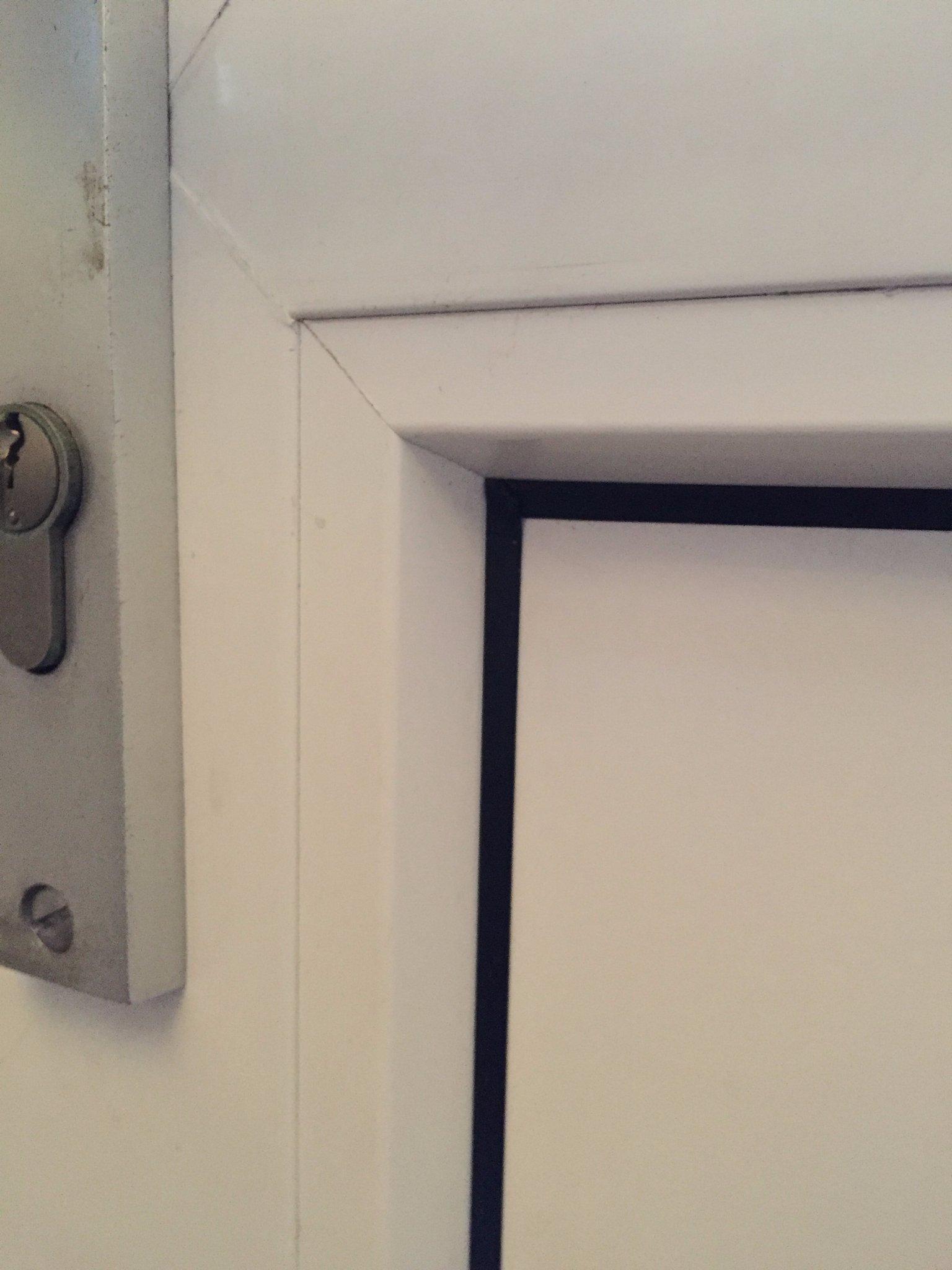 Top Paneel kunststof deur vervangen - Werkspot DR86