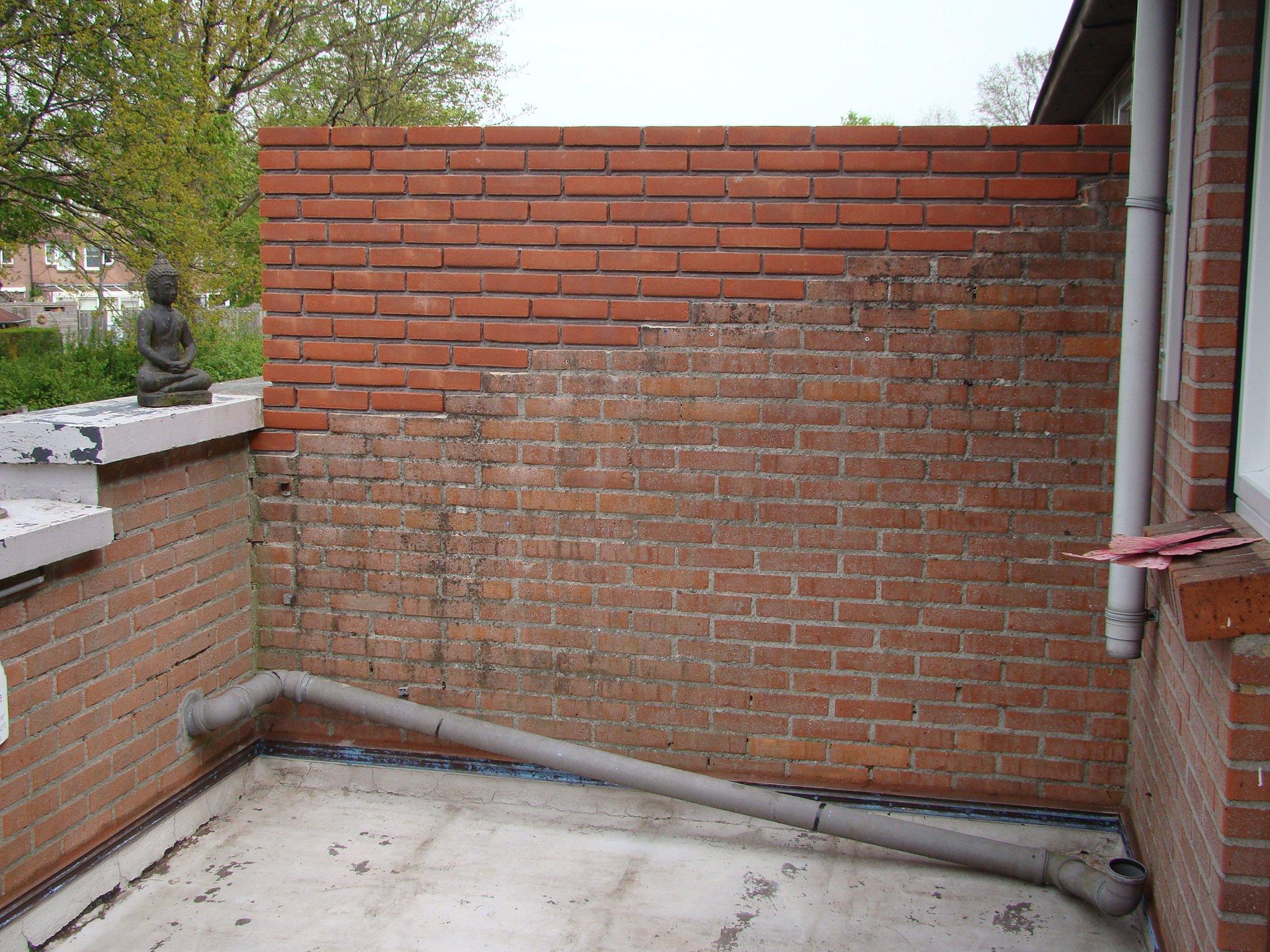 Top Balkon muren verven en vloer egaliseren en van coating voorzien QN37