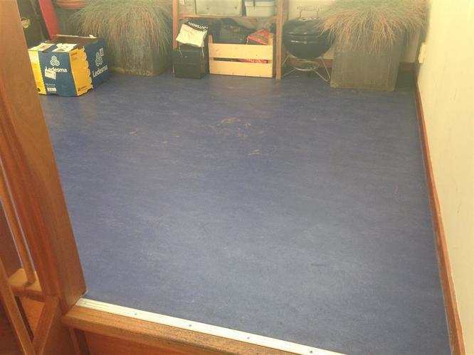 Onderhoud linoleum vloer kleur blauw 30m2. werkspot