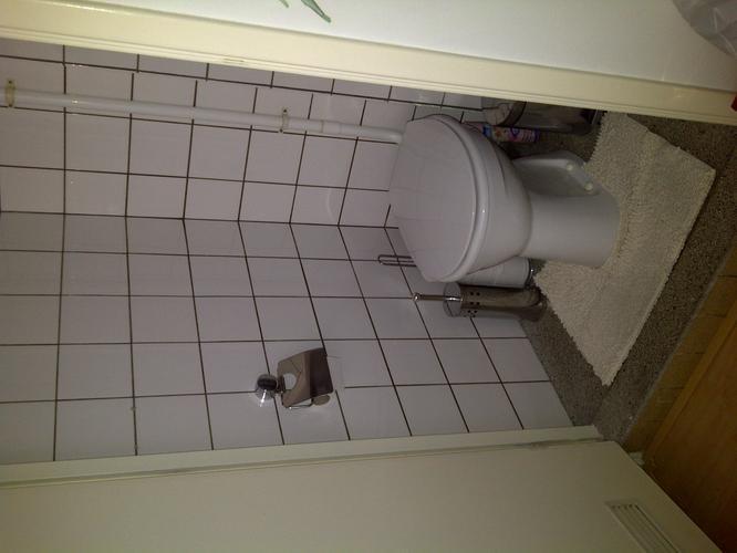 Renovatie kleine douche toilet ruimte amsterdam werkspot - Outs kleine ruimte ...