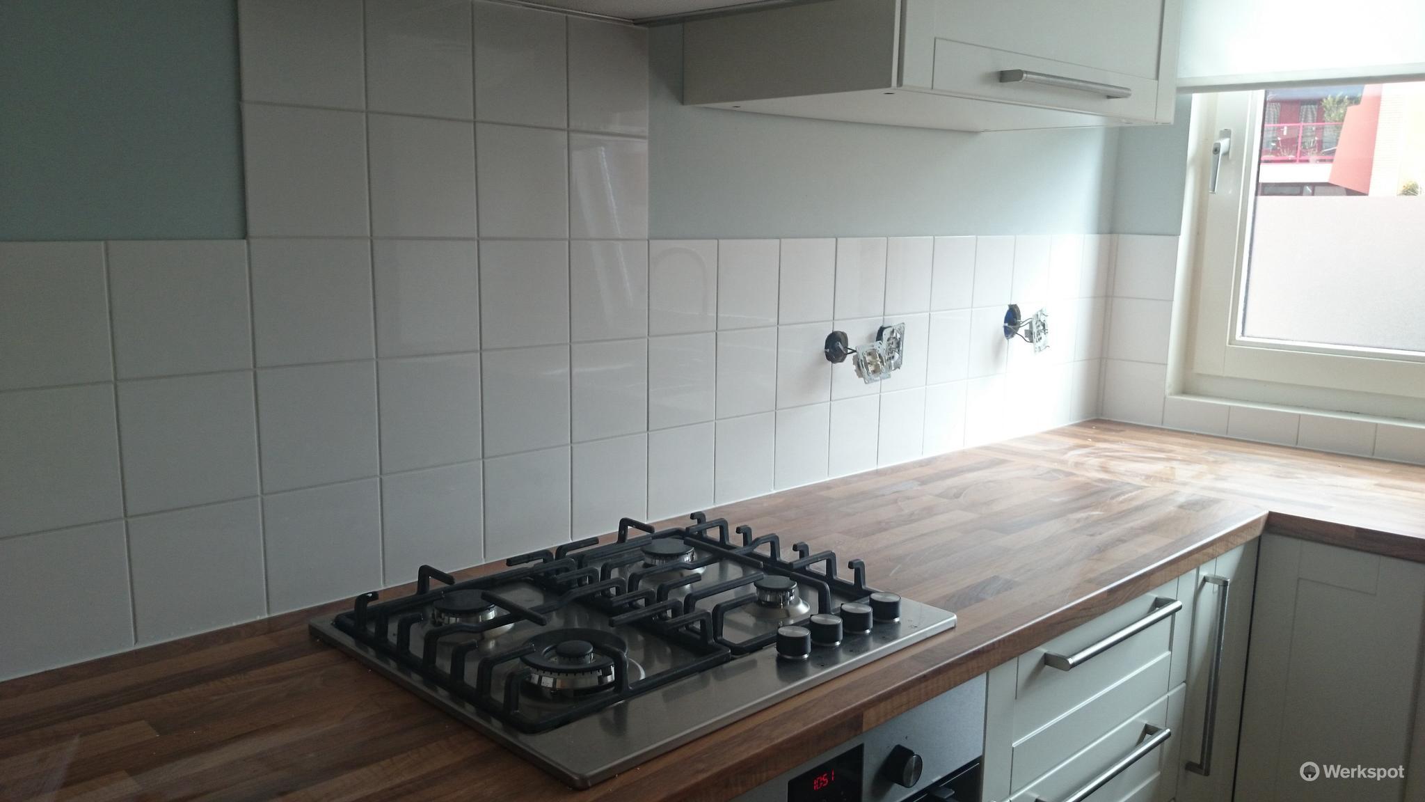 Wandtegels keuken + afkitten keuken, ca 2,5 m2   Werkspot