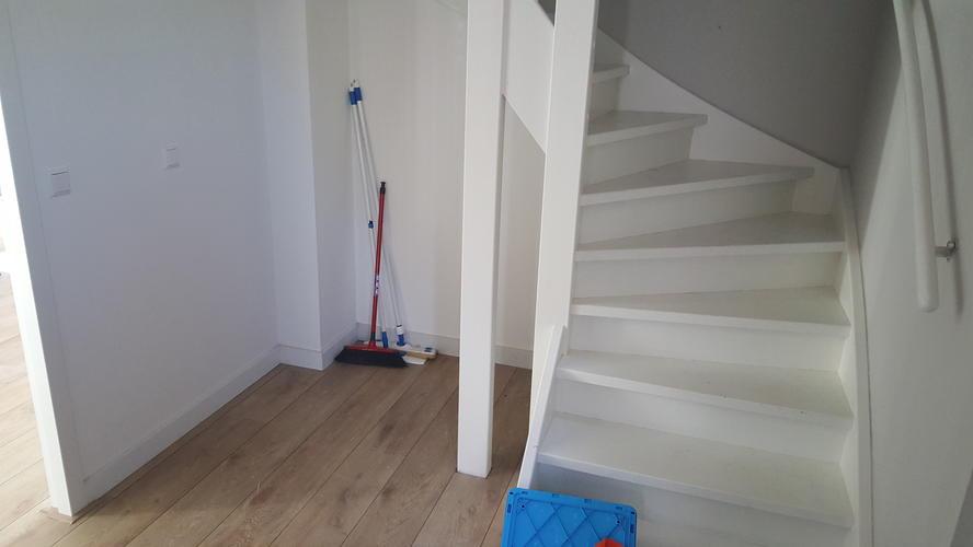 trapkast inbouwen onder dichte trap werkspot