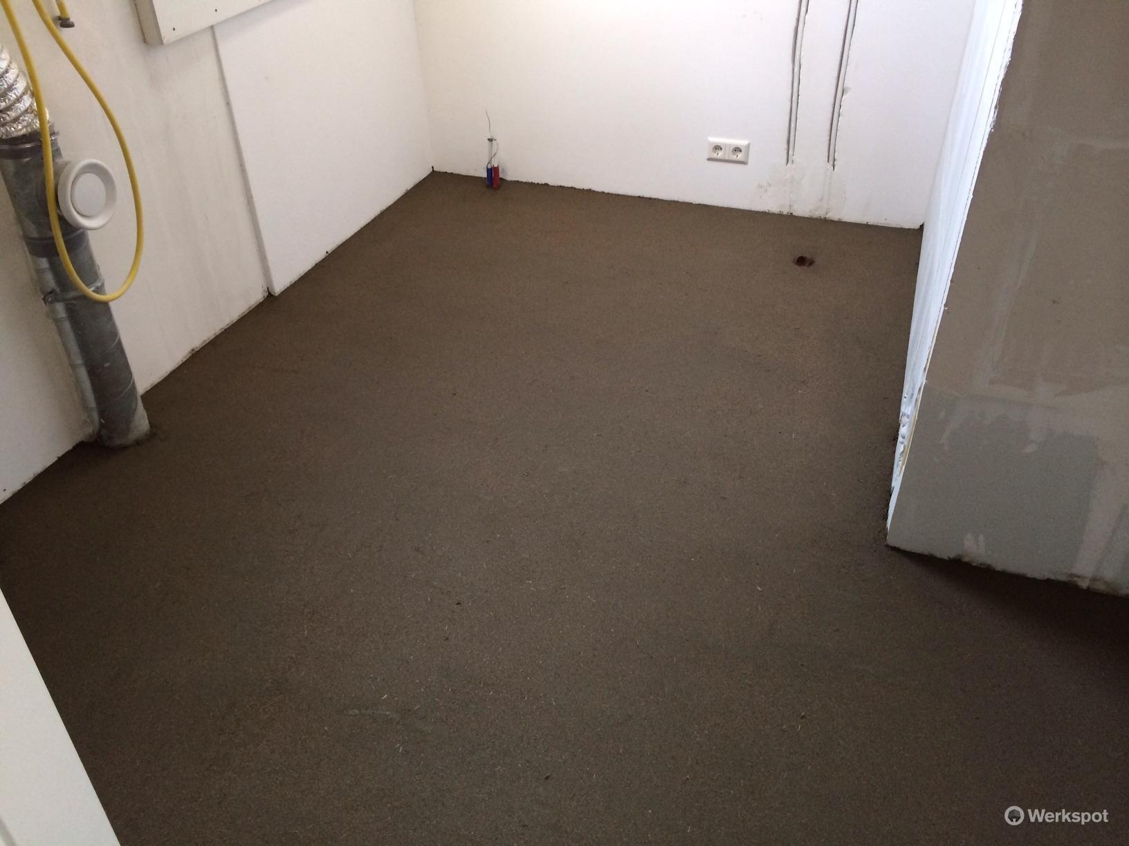 Badkamer Met Washok : Dekvloer smeren washok badkamer werkspot