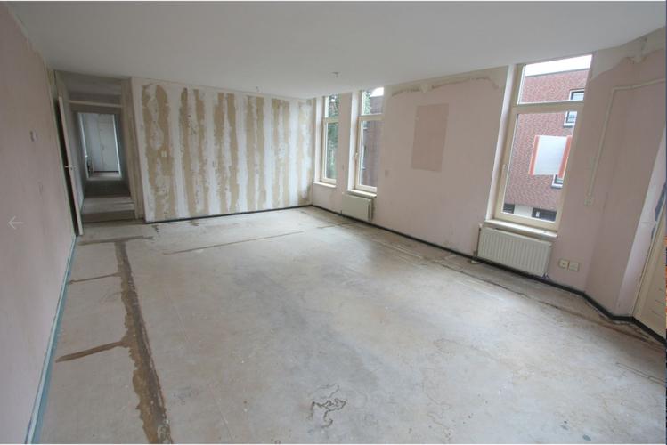 Behang verwijderen 65m2 appartement werkspot for Trapgat behangen