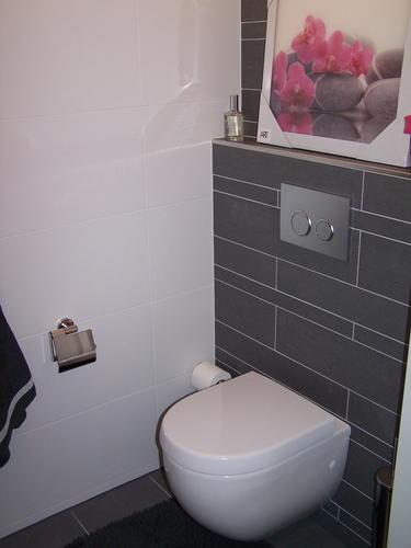 Opknappen toilet werkspot for Toilet betegeld