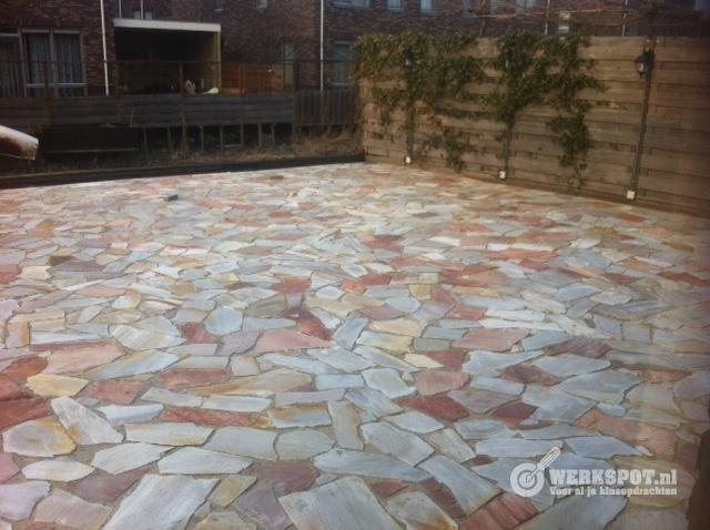 Terrastegels leggen in cement archidev