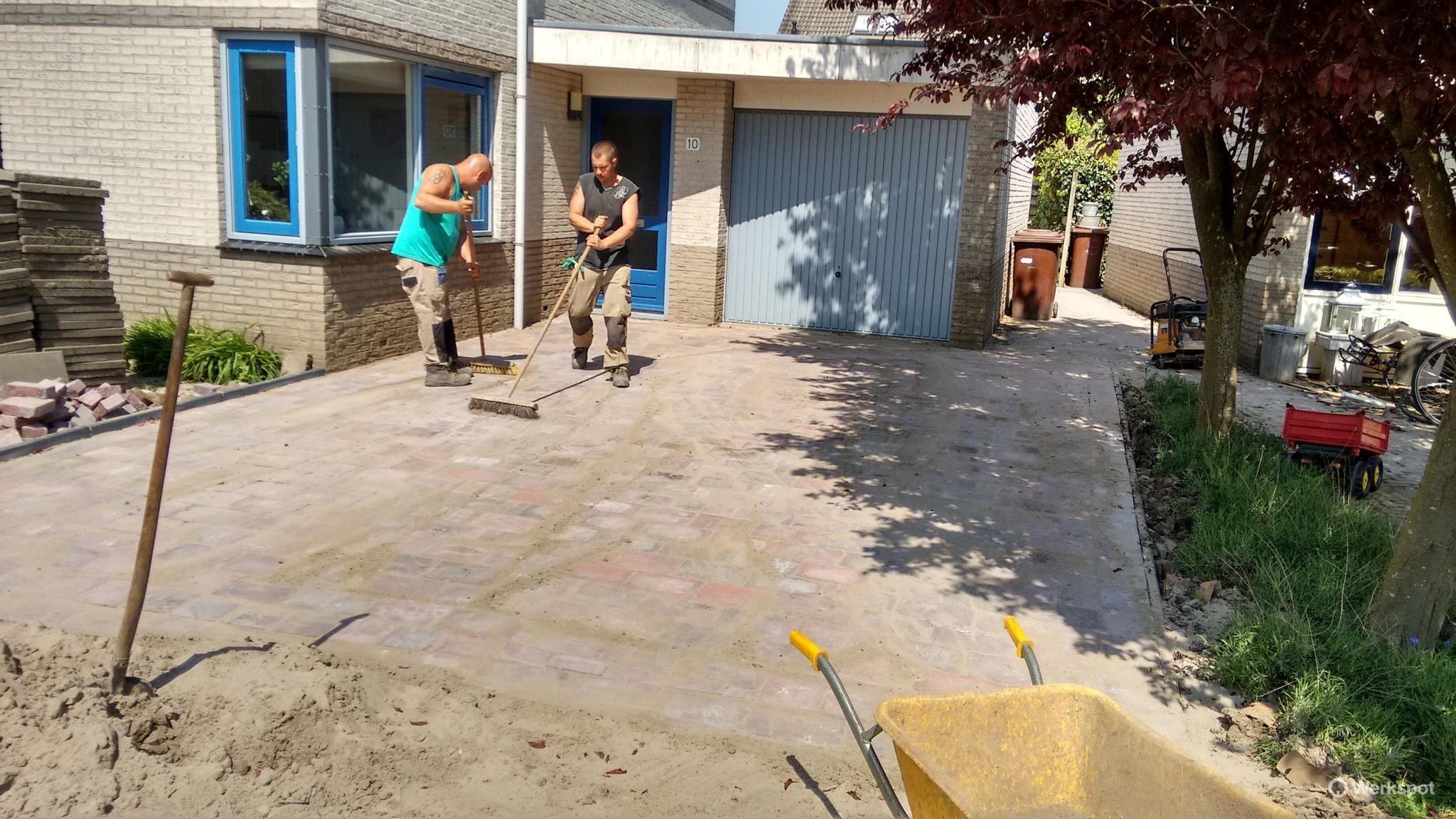 Tegels Gratis Leggen : Tegels in de tuin leggen ca. 85 m^2 werkspot