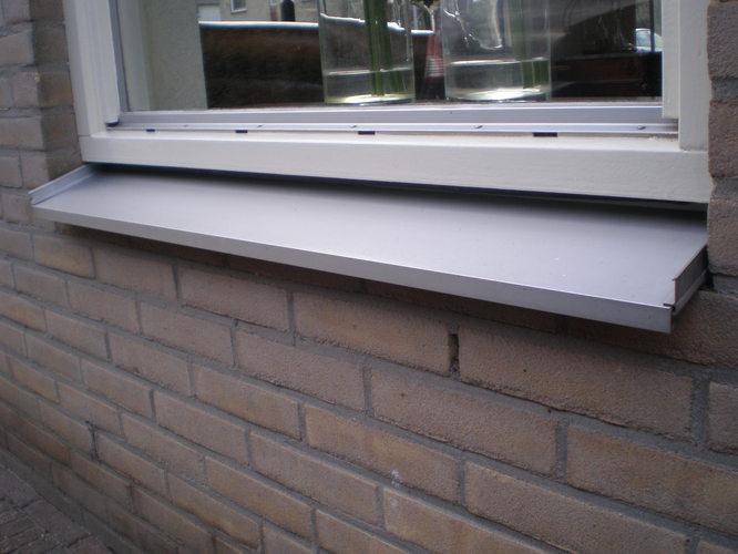 Buiten vensterbank van waterslagers werkspot for Vensterbank vervangen