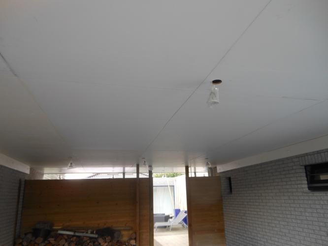 aflakken plafond carport en luifels met boeiborden - Werkspot