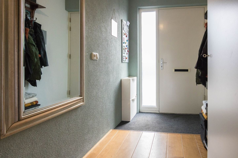 Benedenverdieping wanden en plafond spuiten met verf werkspot - Verf een houten plafond ...