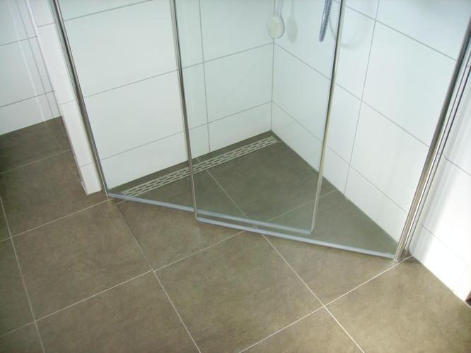 Vloer Betegelen Badkamer : Vloer betegelen badkamer