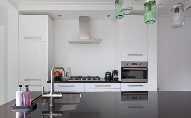 Tegels zetten keuken tbv spatwand werkspot