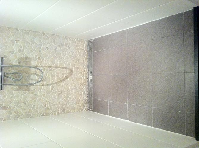 Gietvloer badkamer fresh gietvloer en microcement badkamer wit