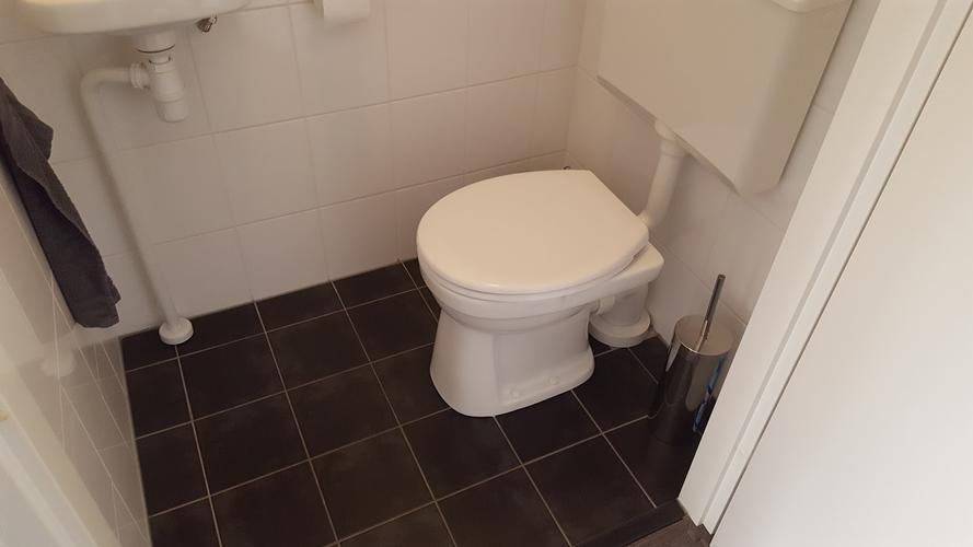 Staand Toilet Vervangen : Staande wc naar hangende wc werkspot