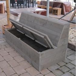 Verbazingwekkend Twee houten banken met opbergmogelijkheden en tafel voor buiten NT-78