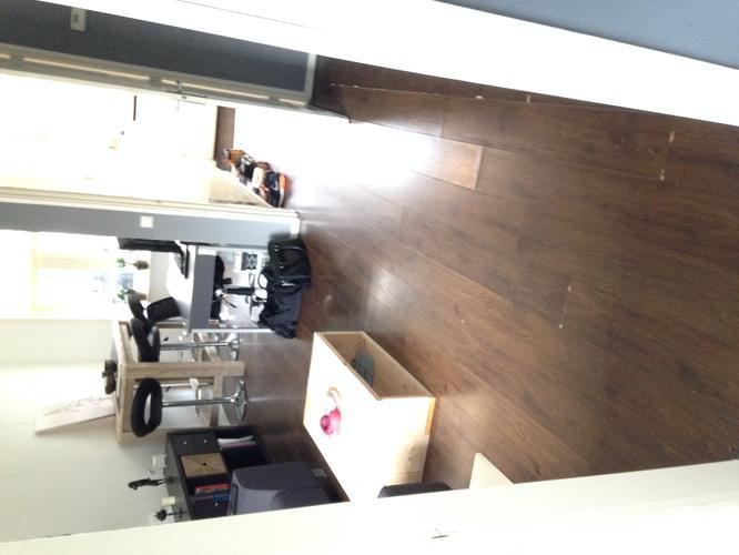 Nieuwe laminaat vloer leggen incl plinten en oude verwijderen