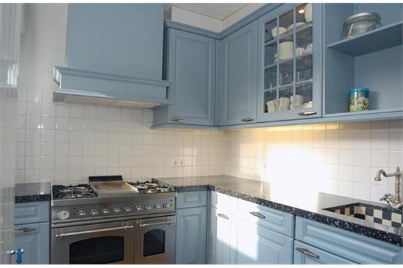 Ikea Keuken Schilderen : Keuken deuren kasten schilderen spuiten werkspot