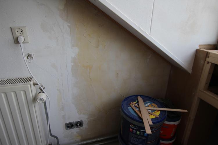 Stucen badkamer (15m2) + reparatiewerk (12m2) - Werkspot