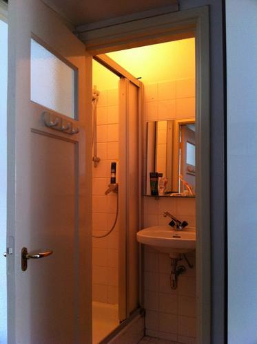 Renovatie kleine doucheruimte werkspot - Kleine doucheruimte ...