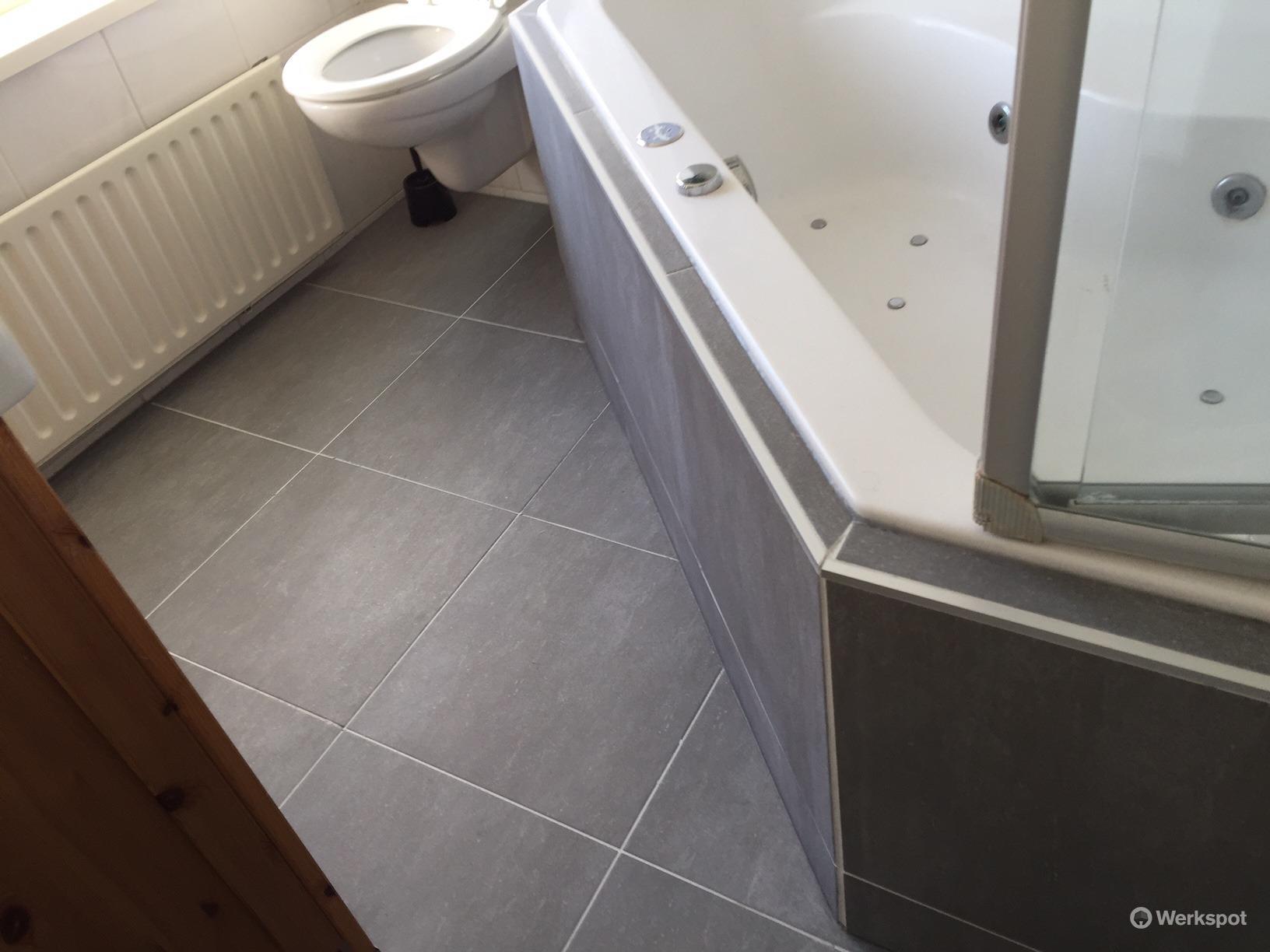 tegelen badkamer 5m2 werkspot