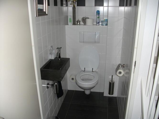 renovatieoa betegelen van wc en badkamer werkspot