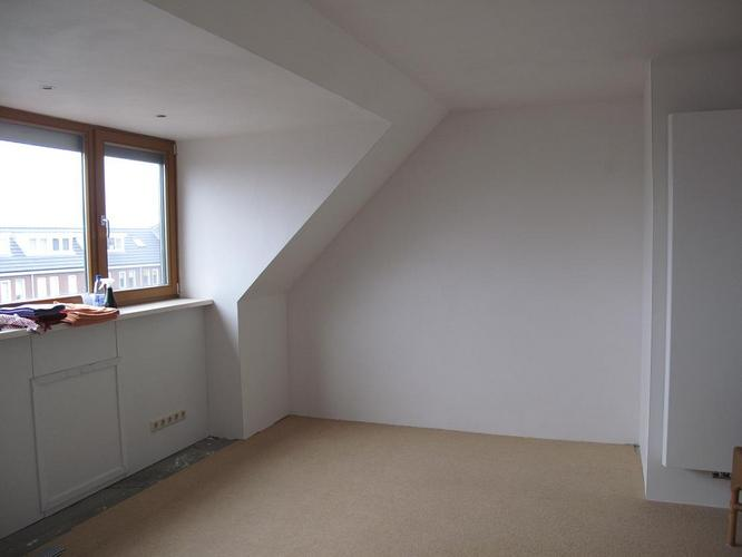 Zolderkamers 2 stuks trapgat behangen werkspot for Trapgat behangen