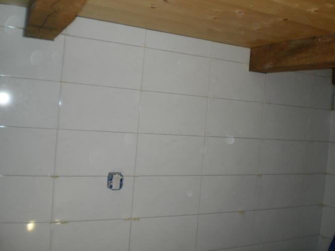 Wildverband Tegels Badkamer : 127 m2 tegels zetten vloeren en wanden. werkspot