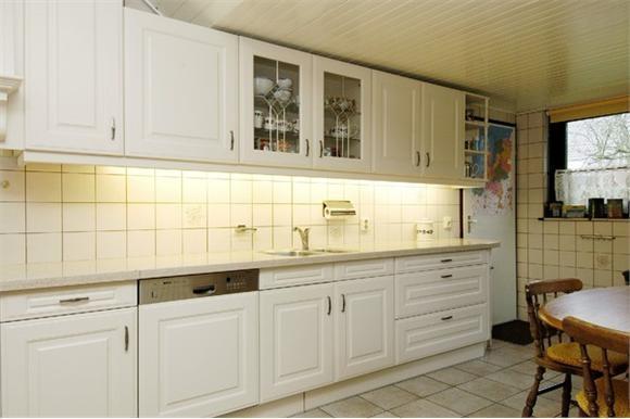 Design Wandtegels Keuken : M wandtegels keuken zetten werkspot