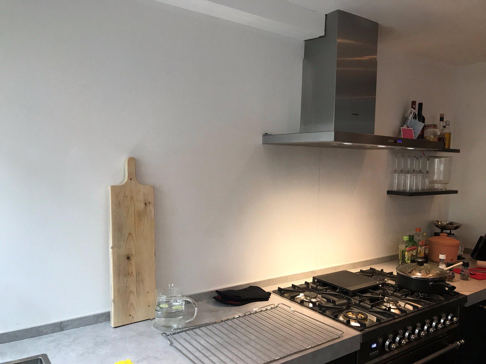 Muur Keuken Kleine : Beton cire op muur keuken en kleine reparaties op plafond en koof