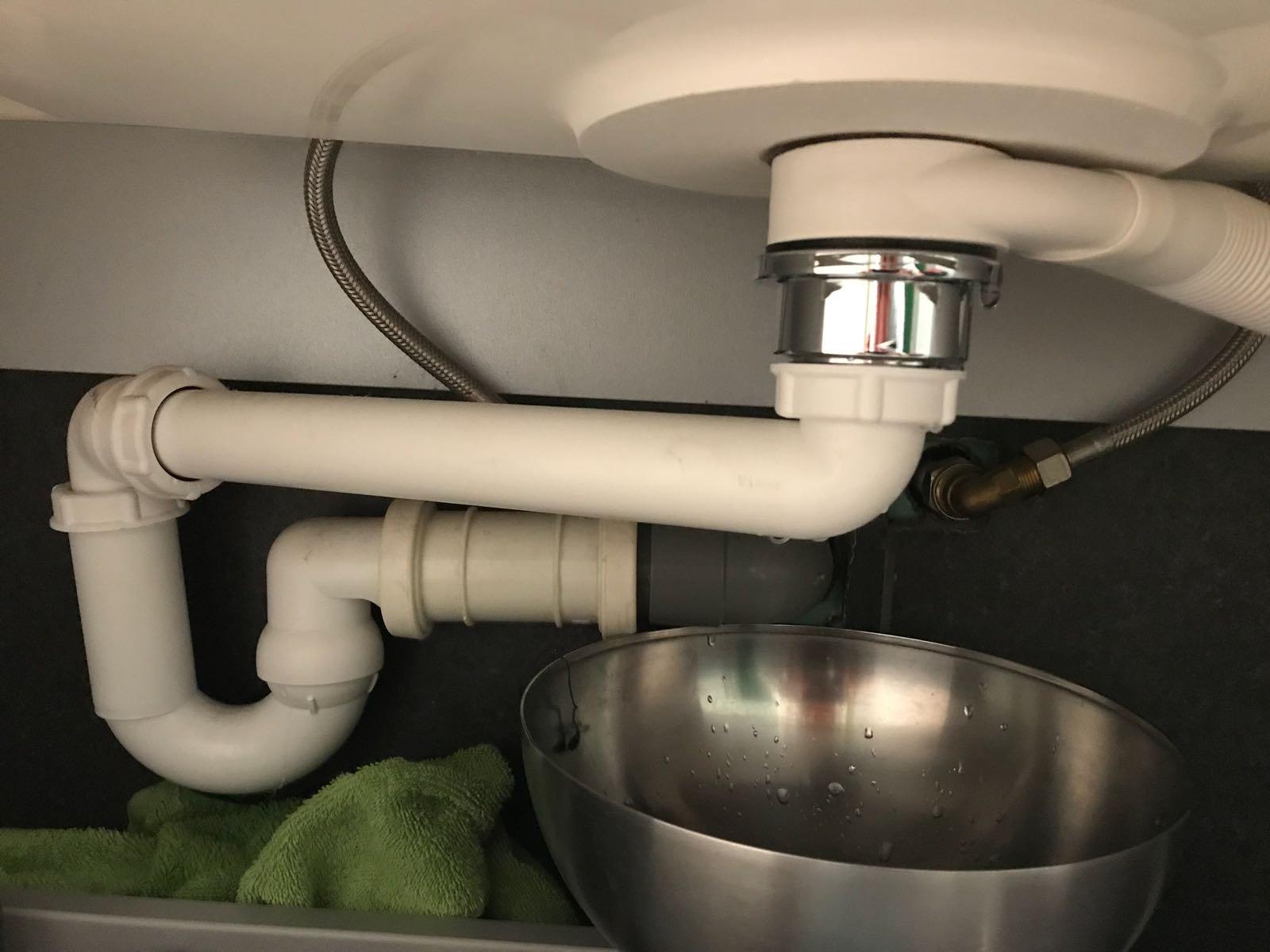 Afvoer Wasbak Badkamer : Afvoer wastafel in badkamer vervangen klikwaste afvoerplug