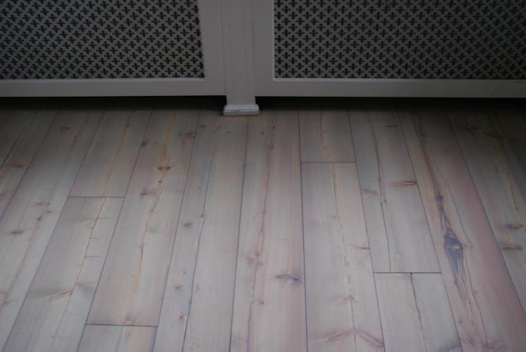 Larix grenen vloer schuren en in olie zetten werkspot